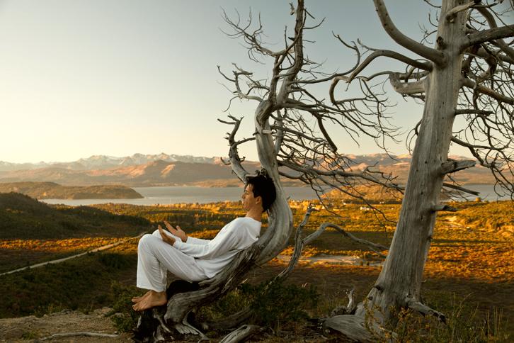 Gonzalo relajandose en el Catedral, Bariloche. relajación, meditar, meditación, ansiedad, estrés