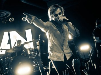 awolnation-in-action