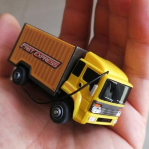 """""""Super mini RC Truck"""" """"RC Micro Bus"""", RTR Full Function, 27MHz Remote Control Electric ultra-small toy Scale model car."""