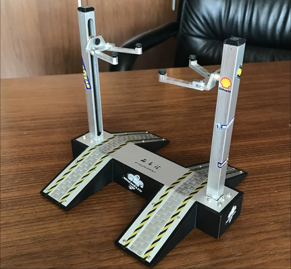 Two-post Car Lift with Car Ramp For 1:18 Diecast Scale Model Cars, Set accessories for Scale Model Cars Repair Shop scenes