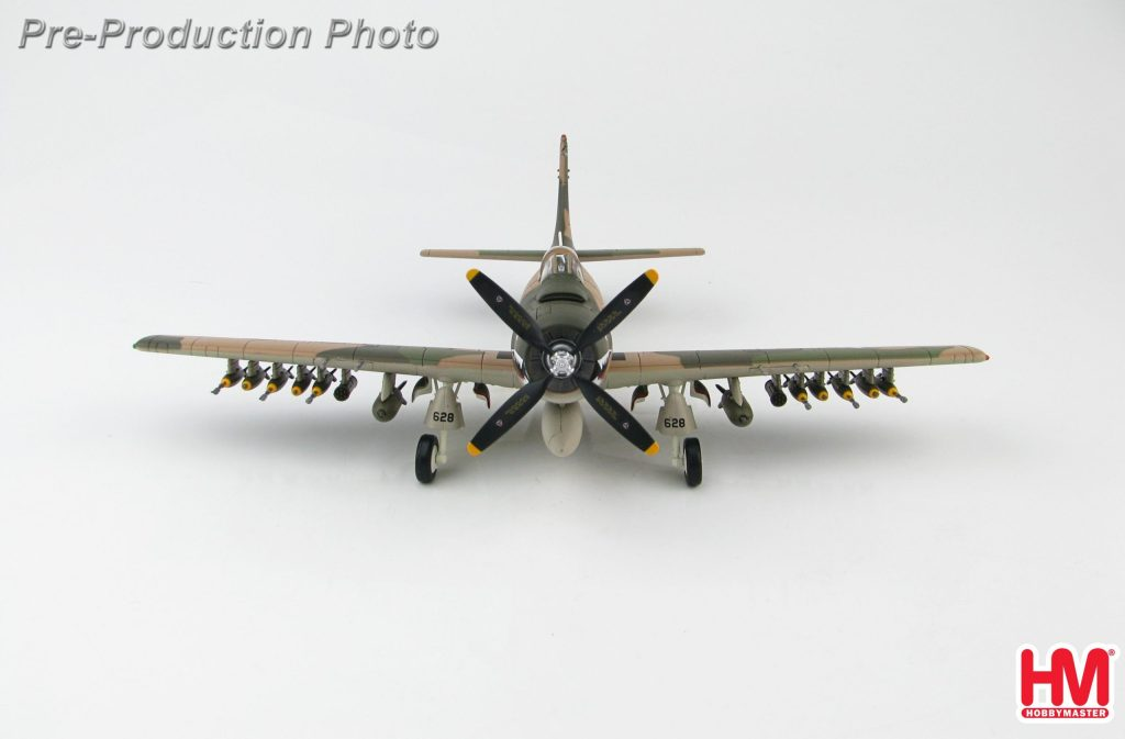 Hobby Master Collector 1/72 Air Power HA2914 United States Air Force (USAF) Douglas A-1H Skyraider Attack Aircraft, TS/53-137628, 22nd SOS, 56th SOW, South Vietnam (Military Airplanes Diecast Model, Pre built Aircraft Scale Model)