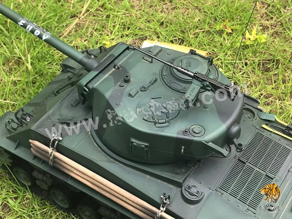 Not all the tank crews liked this new gun as it had a much more stronger muzzle blast which could reveal its location to enemy tanks and anti-tank units waiting in ambush in woods and behind hedgerows.