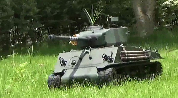 It also has an upgraded 76mm gun with an improved rate or fire and better accuracy. Despite the increased armor compared to the M4 Sherman however, the E8 is still a very soft target and will be easily destroyed if it stays exposed to enemy fire.