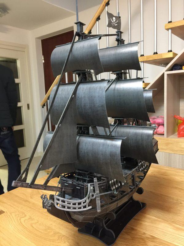 328 Pieces 1:95 Paper Scale Model Sailboat Ship, Pirates of the Caribbean Film Black Pearl Pirate Ship, Queen Anne's Revenge Pirate Ship, Cubicfun Toys (Cubic-Fun T4018h) Difficult level 3D Paper Puzzle