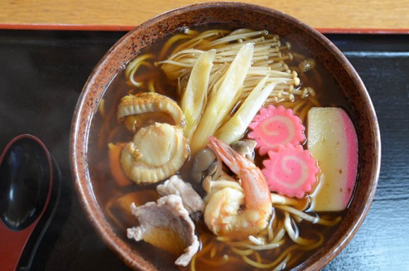 Buckwheat Noodles with Variety of Ingredients -Marumi Shokudo in Yakumo-