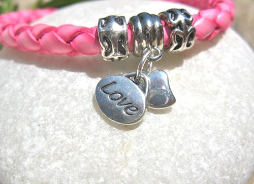 Love_heart_charm_bracelet