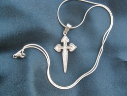 St_James_cross_STS_chain_8354