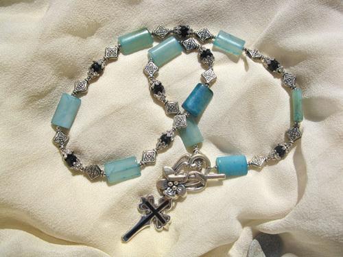 Camino necklace blue jade