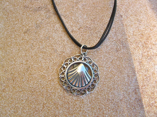 scallop_shell_necklace