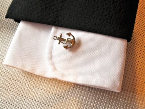 Anchor cufflink