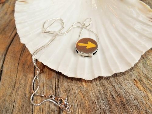 Camino yellow arrow necklaces