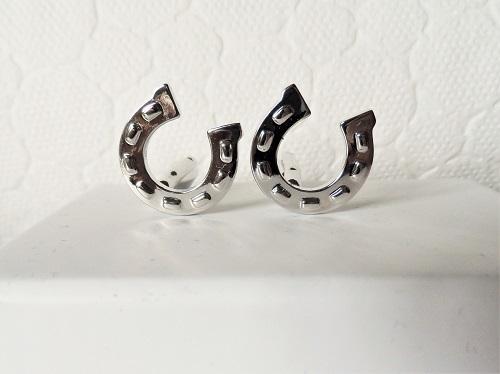 Lucky horseshoe cufflinks for success