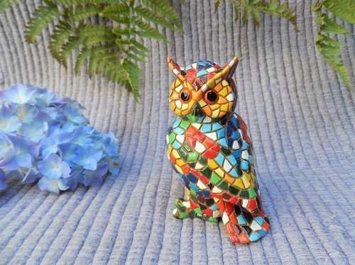 Owl figurines for safekeeping