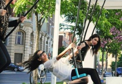 Musical Light Swings on the Streets of Montreal