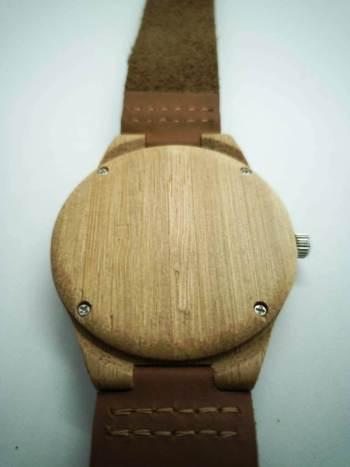 buizerd-achterkant-horloge