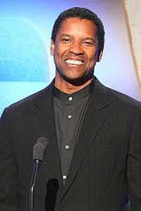 "Denzel Crushes ""Fences""!"