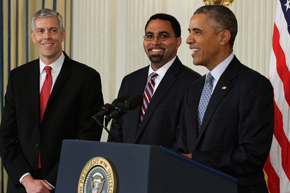 John King, Jr. (middle) with President Barack Obama (photo via ischoolguide.com