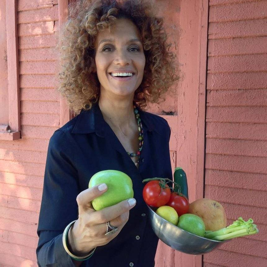 "Angela Means, aka ""Felicia"" in 'Friday,' Now Owns and Runs Vegan Spot, Jackfruit Cafe"