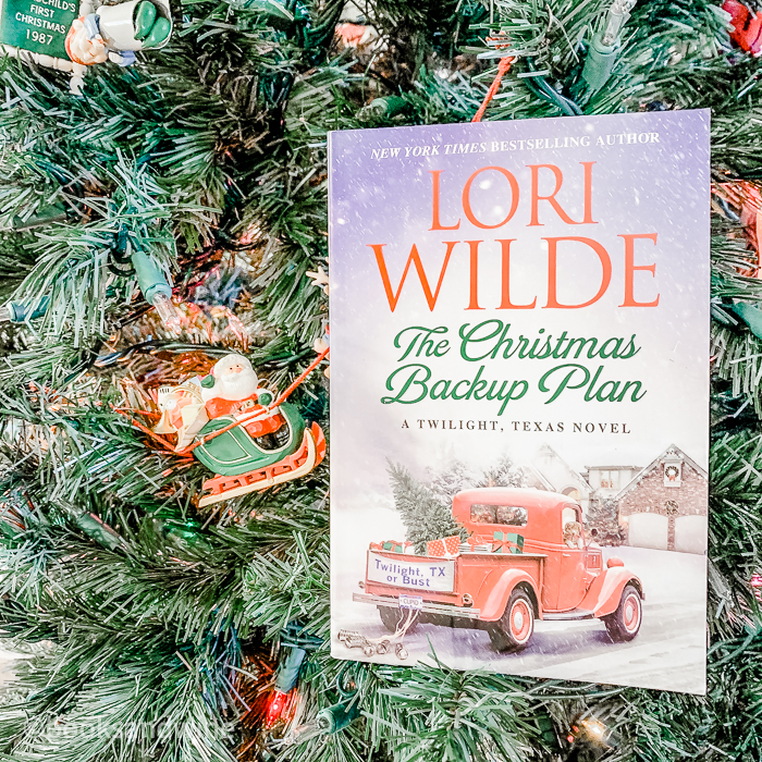 The Christmas Backup Plan by Lori Wilde | Book Review