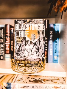 The Blacktongue Thief by Christopher Buehlman lured me in with its excellent cover. I was further convinced by the good reviews it got.