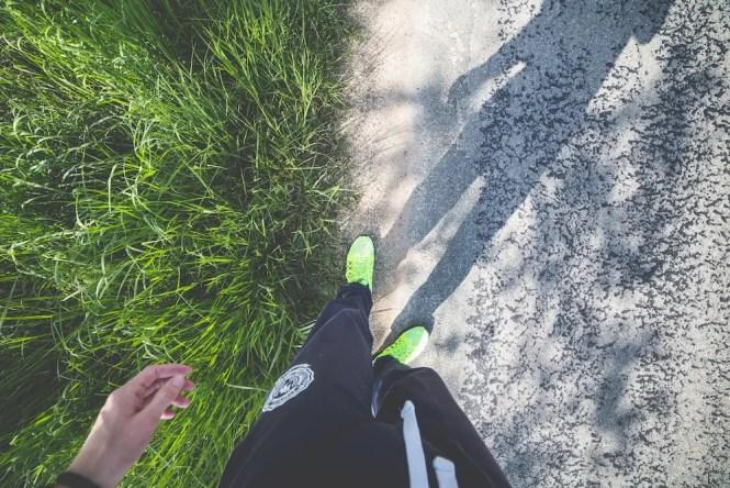 man-in-running-shoes-ready-to-run-picjumbo-com