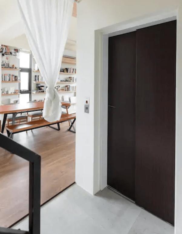 民宿電梯可直達各樓層,不論是嬰兒推車、老人家輪椅、或沈重的大行李箱,都可以輕鬆移動到各層空間,打造無障礙空間。