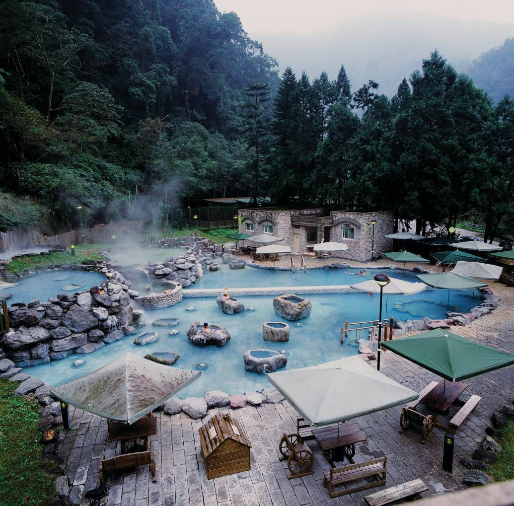 在海拔520的情人橋說我愛你 ~ 鳩之澤溫泉