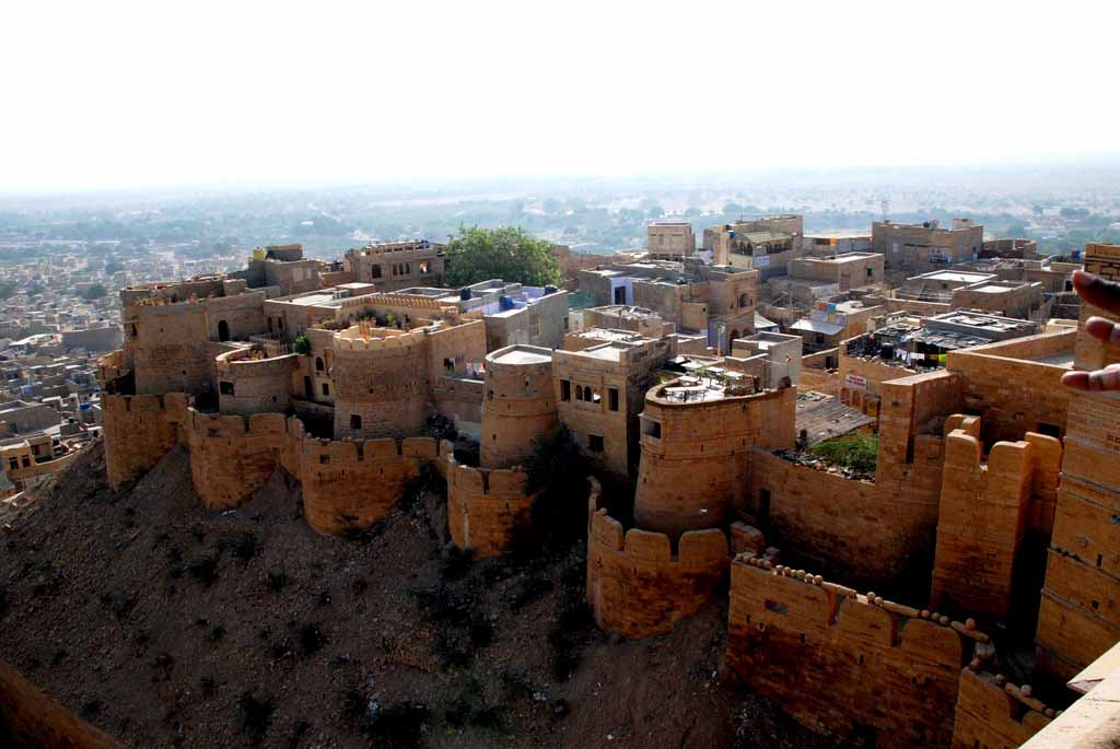The fort still houses people. The city though has spilled the walls and continues to grab bits of the desert to feed its grredy expansion plans.