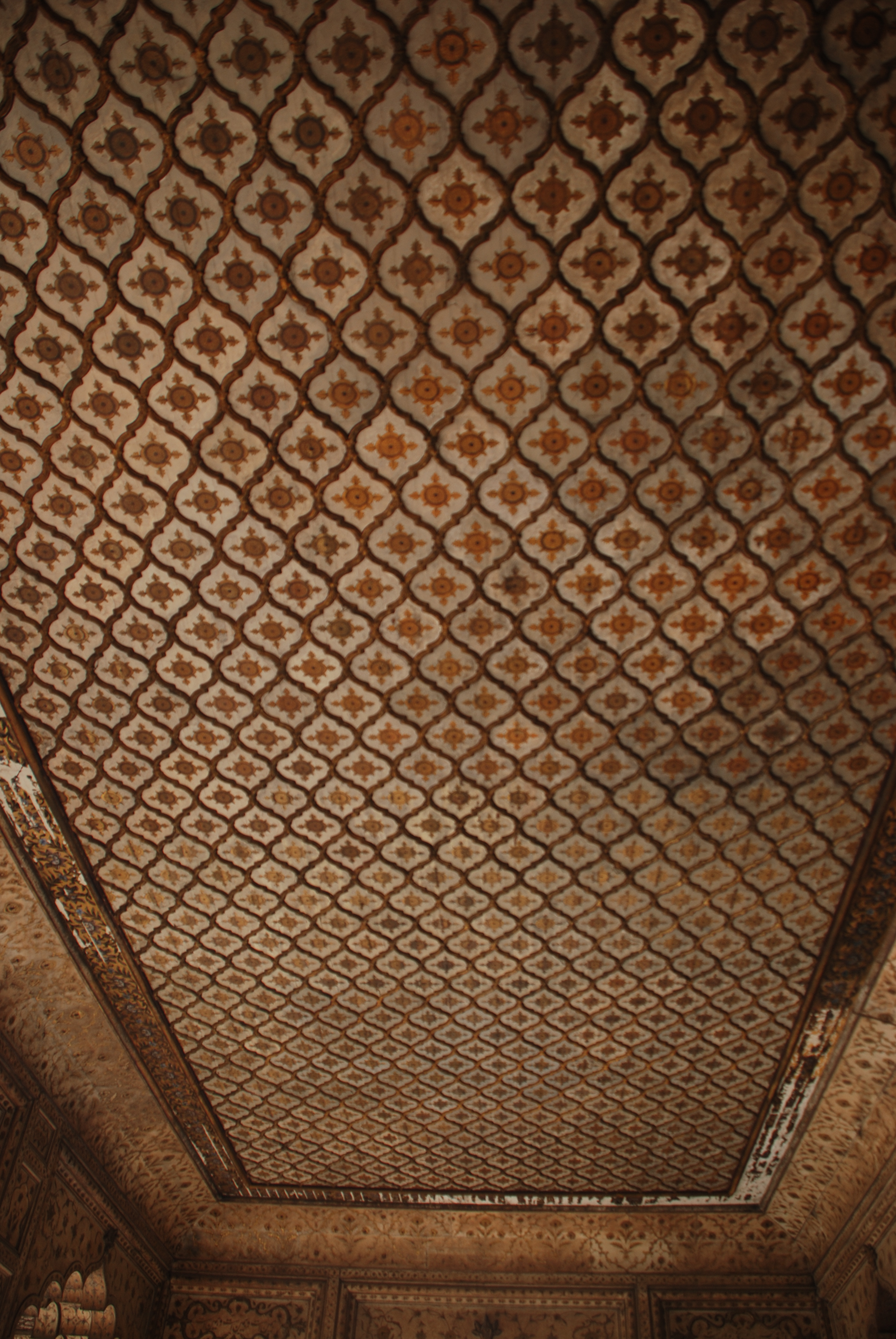 Gilded rich ceiling of Diwan-i-Khas, the hall of private audience