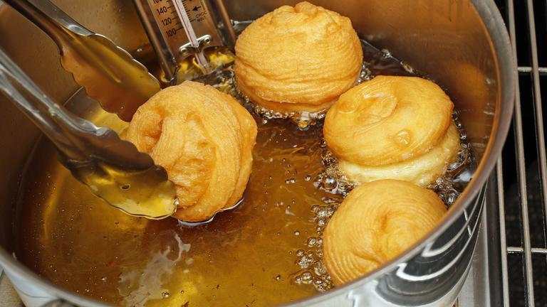 frying-zeppole.jpg