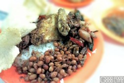nasi uduk ibu sum with fried chicken and many more