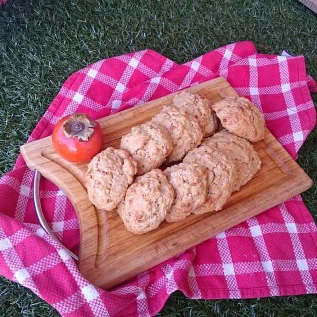 Play with Food's persimmon, sultana and oat cookies