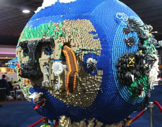 wereldbol op Legoworld-GoodGirlsCompany