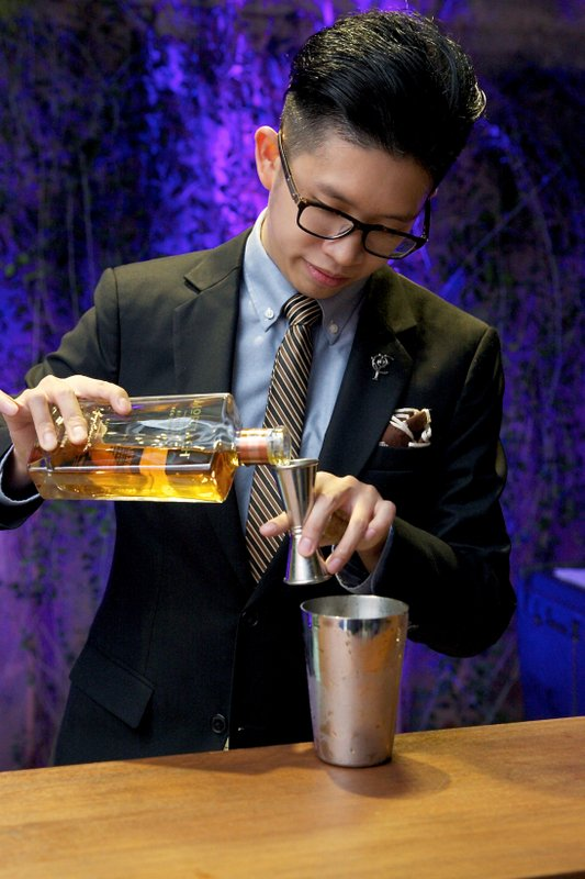 Shawn Chong, Diageo World Class SEA Bartender of the Year 2015, was present at the launch as he concocts a cocktail with Mortlach Rare Old, which is one of the three expressions that are now available in Malaysia.