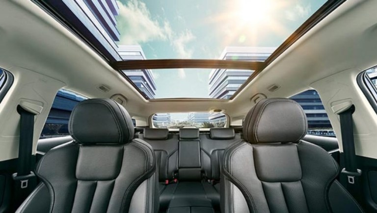 The all-new Ford Territory also comes with a panoramic moonroof | Good Guy Gadgets