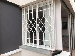 Instalación de rejas fijas en 3 ventanas 2