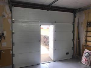 puerta garaje con puerta peatonal 3