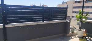 Instalación Valla de Aluminio modelo H en Viladecans