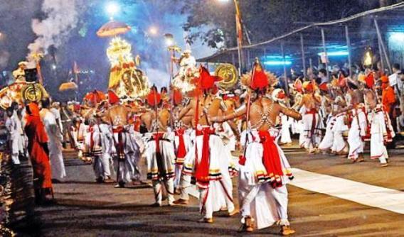 sri lanka poya day (12)