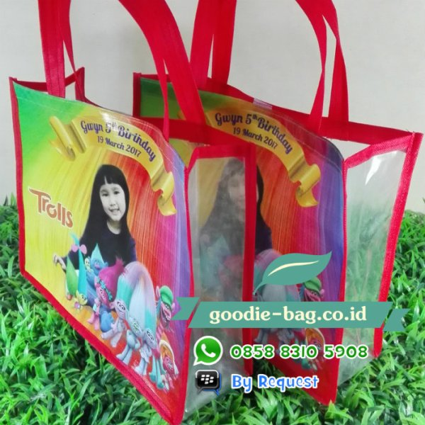 goodie bag ultah trolls