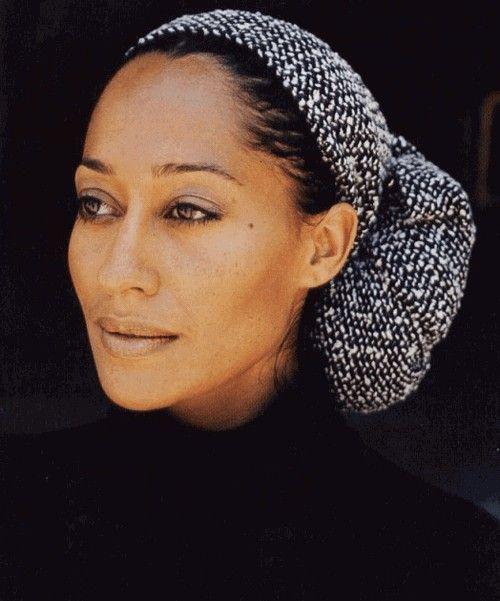 Tracee Ellis Ross looks radiant in her headwrap style!