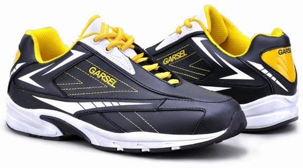 Sepatu Olah Raga untuk Ayah