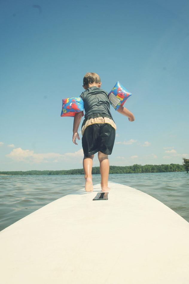 Toddler-paddleboarding