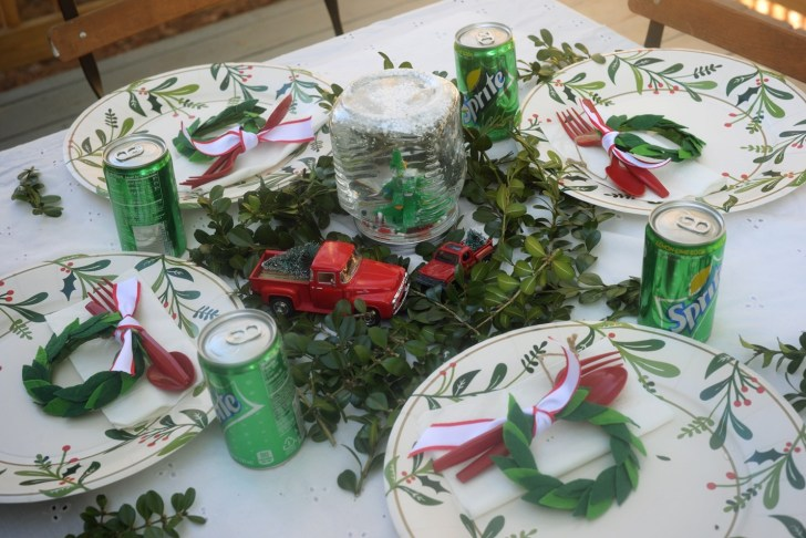 Christmas kid table (2)