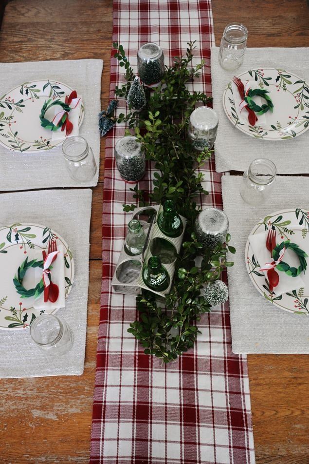 Christmas party table settings (2)