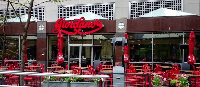pizza chicago, giordano pizza, chicago nourriture, visiter chicago, blog voyage chicago