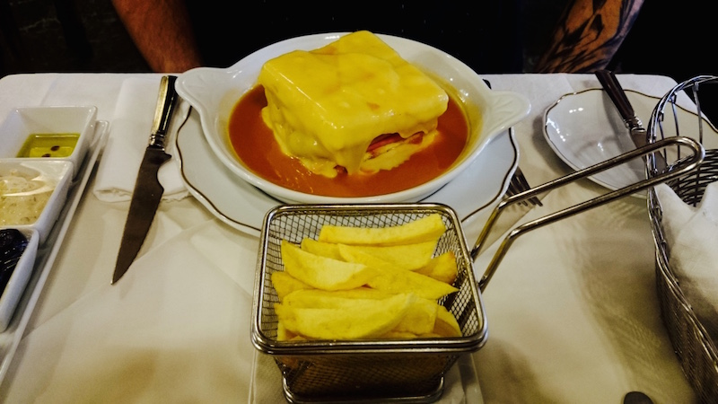 francheshina specialite culinaire porto