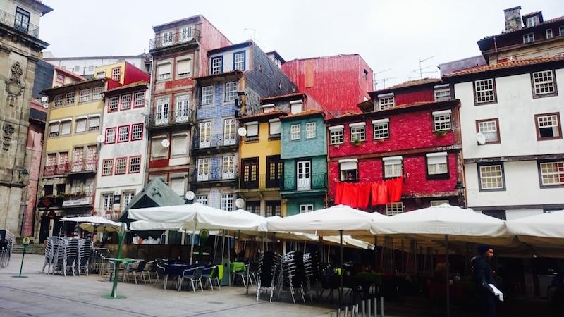 quartier ribeira porto portugal