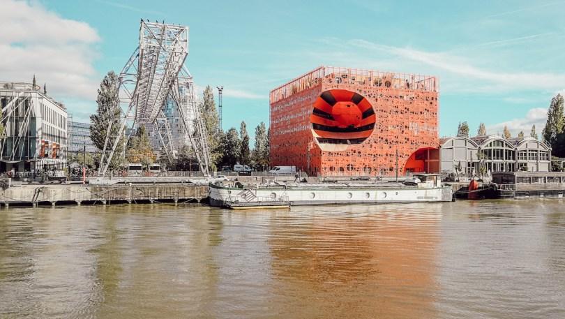 vue sur confluence depuis l'hermes 2 bateau de croisiere a lyon