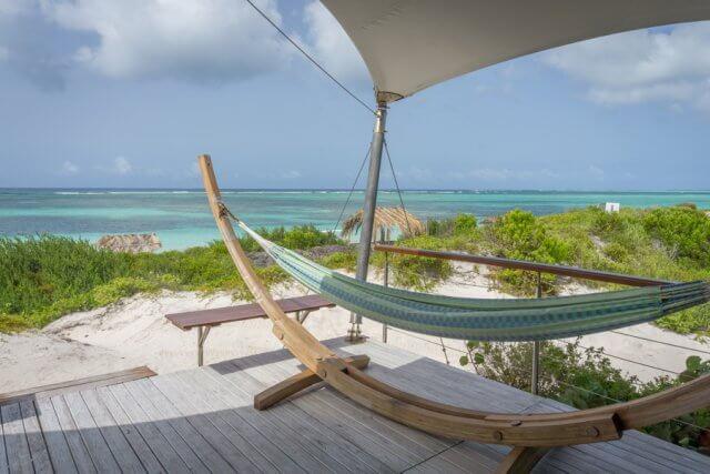 Caribisch Anegada-strand in de Britse Maagdeneilanden
